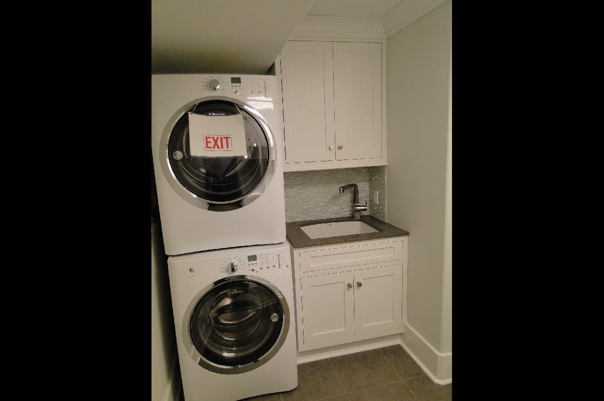 Laundry Room Cabinet Design Ideas - Cabinet Tree | Cabinet ... on Laundry Cabinet Ideas  id=61693